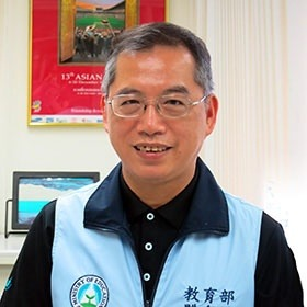 葉丁鵬 Assistant Professor